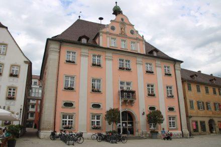 Hauptplatz mit Fußgängerzone im beschaulichen Rottenburg.