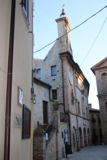 Der Piazza Peretti benannt nach dem Paps Situs V.