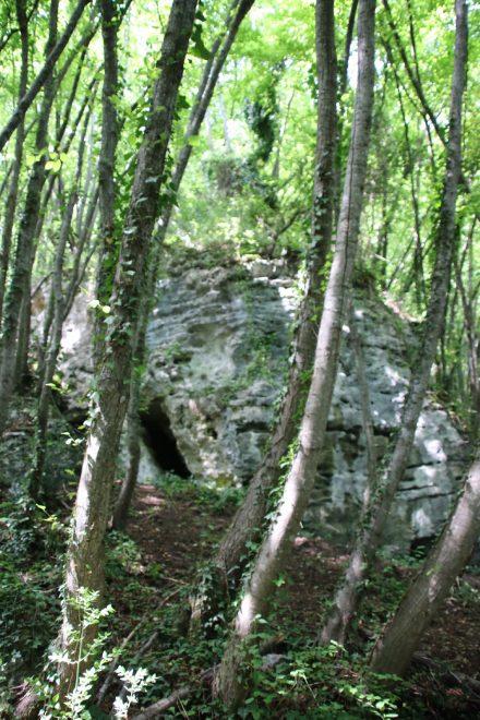Nur wenige Steinhäufchen sind von dem Convento di San Lorenzo aus dem 8. Jahrhundert übrig