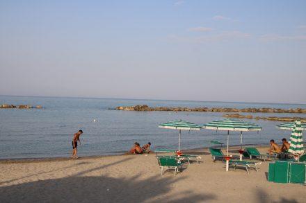 Der Campingstrand mit feinem Sand