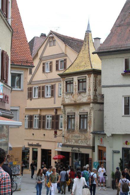Das goldene Dachl in der Neckargasse in Tübingen.