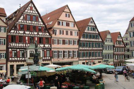 Samstags-Markt in Tübingen.