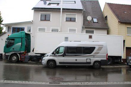Selbstausbau Auflieger-Wohnmobil – wenn Platz und Gewicht keine Rolle spielen
