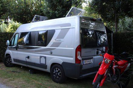 Mein Adria Twin Ducato in seiner Campingbucht Tobacco Road