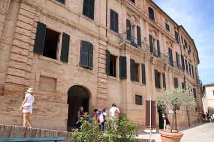 In der ehemaligen Villa Leopardi ist das Stadtmuseum untergebracht