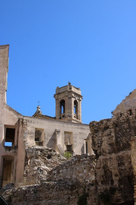 Die Reste eines Amphitheaters unweit des Doms in Ancona