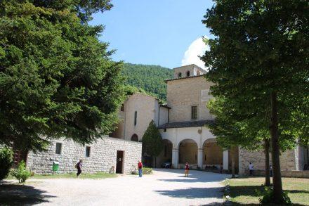 Der Grundstein für die Abtei wurde schon 970 gelegt
