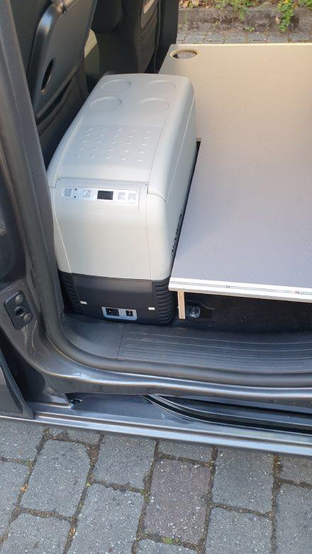 Fixer Platz aber trotzdem auch mobil ist die Kompressor Kühlbox Dometic CF26