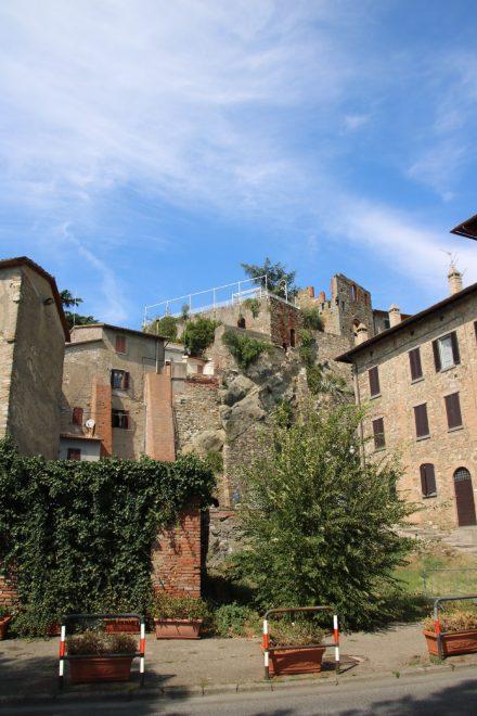 Die alten Gemäuer prägen das Ortsbild von Passignano sul Trasimeno