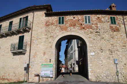 Stadttor in die Altstadt von Castiglione del Lago am Trasimenischen See