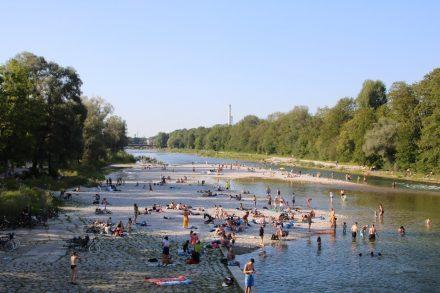 Badespaß an den Isarauen direkt am Campingplatz Thalkirchen in München