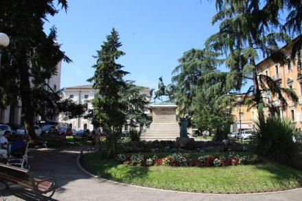 Ein Bummel auf dem Corso Vannucci endet in den Carducci Gärten mit herrlicher Aussicht