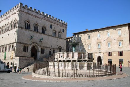 Herzstück von Perugia ist der Platz des 4. Novembers
