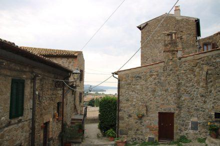 Man kann sich an den schön erhaltenen Häusern von Bolsena nicht satt sehen