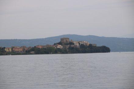 Blick auf den Ort Capodimonte