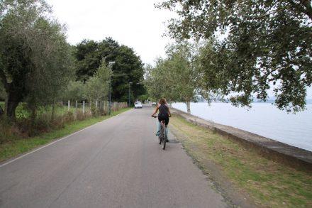 Die südliche Uferstraße des Lago di Bolsena