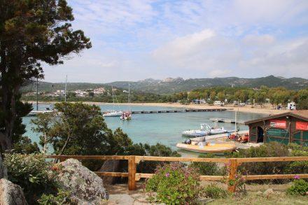 In der kleinen Camping Marina kann man Boote mieten oder Bootstouren buchen
