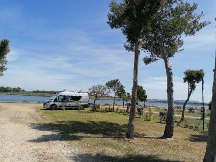 Unser ruhiger Standplatz am Camping Laguna Blu bei Alghero