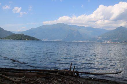 Ruhig liegt der ganze Comer See vor mir