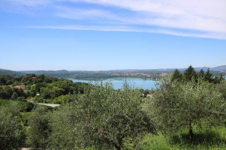 Von der Villa Bertarelli aus sieht man den Lago di Annone