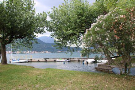 Der Camping Rivabella hat einen kleinen Bootshafen