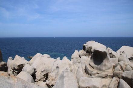 Klapperschlangen und anderes Granit-Getier am Capo Testa