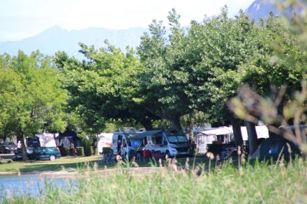 Rangezoomt an den Adria Twin auf dem Camping Rivabella