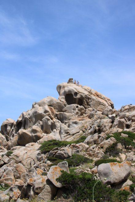 Der Weg auf die Granit-Burg ist steil und nichts für Menschen mit Höhenangst