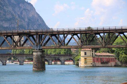 Elf Bögen hat die Alte Ponte Vecchio, die einst Lecco mit Mailand verband