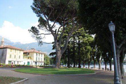 Entlang der Uferpromenade vom Lago di Lecco