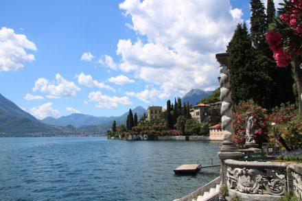 Majestätische Treppen zum See und Blick auf die Villa Monastero