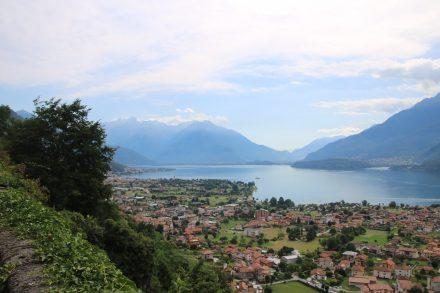 Sattes Grün, nette Orte und der tiefblaue Comer See
