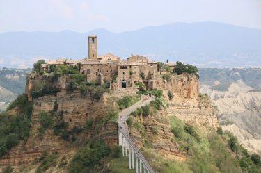 Erosion gefährdet den Tuffsteinfelsen, auf dem Civita di Bagnoregio thront